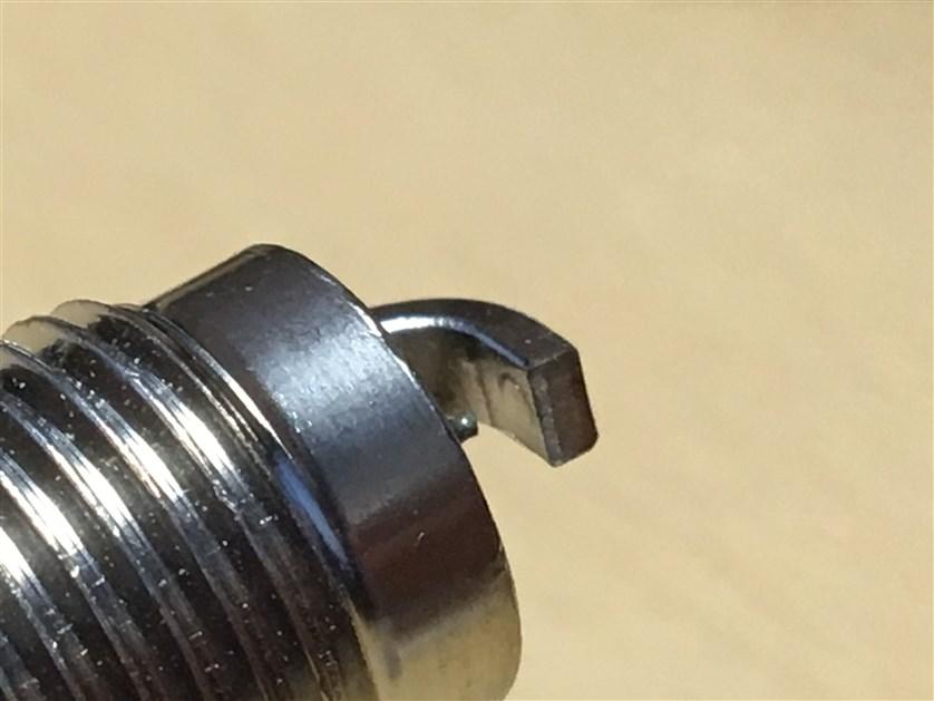Отсутствует напайка на боковом электроде.