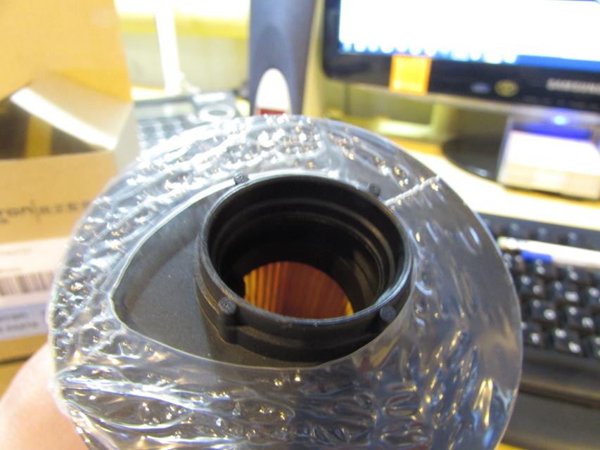 Отсутствует резиновое уплотнение на выходном отверстии фильтра.