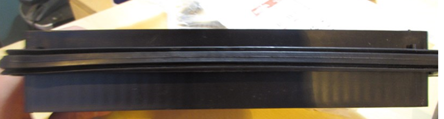Уплотнительная резинка не держит форму.