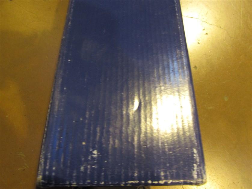 Отличается вид гофрирования картона упаковки.