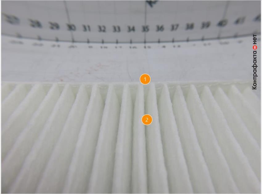 1. Клеевой состав нанесен неравномерным слоем. | 2. Разное расстояние между ламелями.