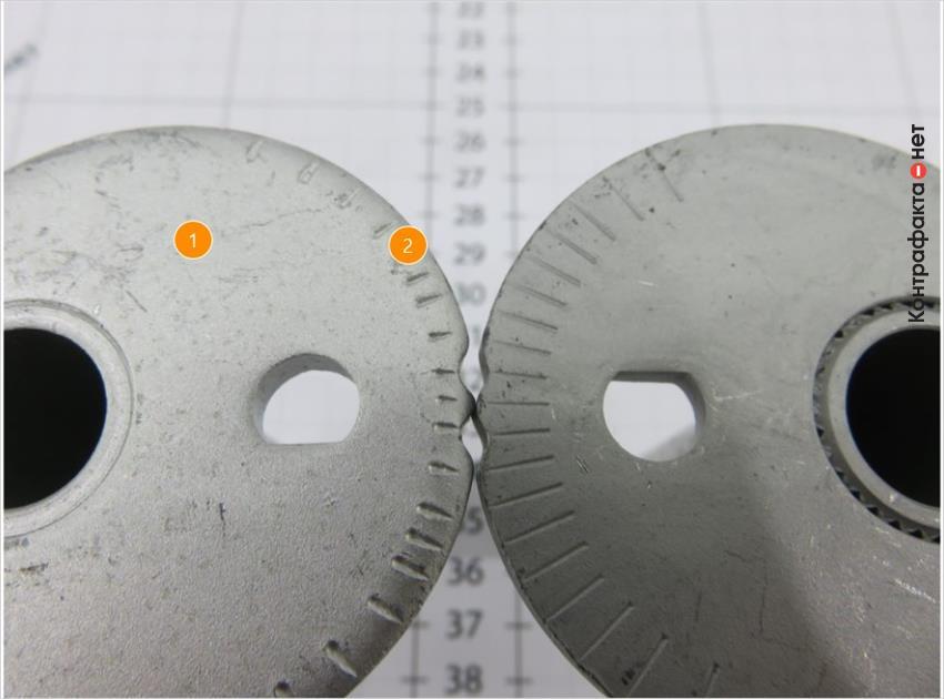 1. Металл светлого оттенка. | 2. Насечки меньшей длины.