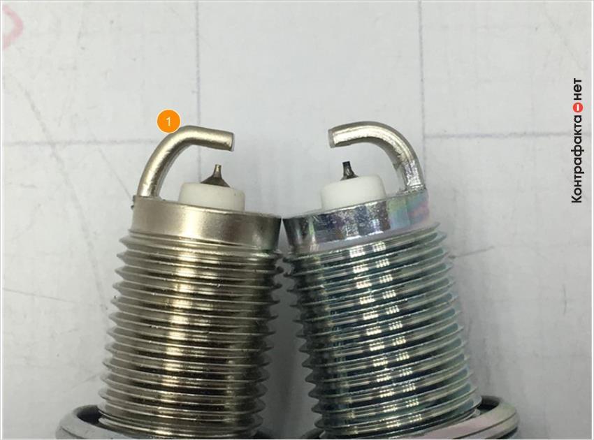 1. Отличается изгиб бокового электрода.