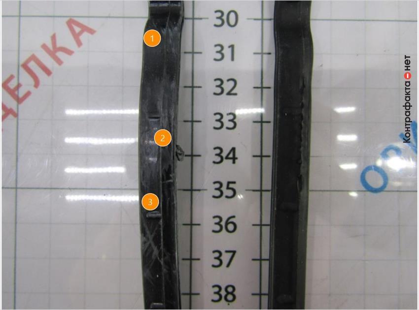1. Низкое качество обработки.   2. Технологический шов выполнен по другой технологии.   3. Боковые выступы другого диаметра и формы.