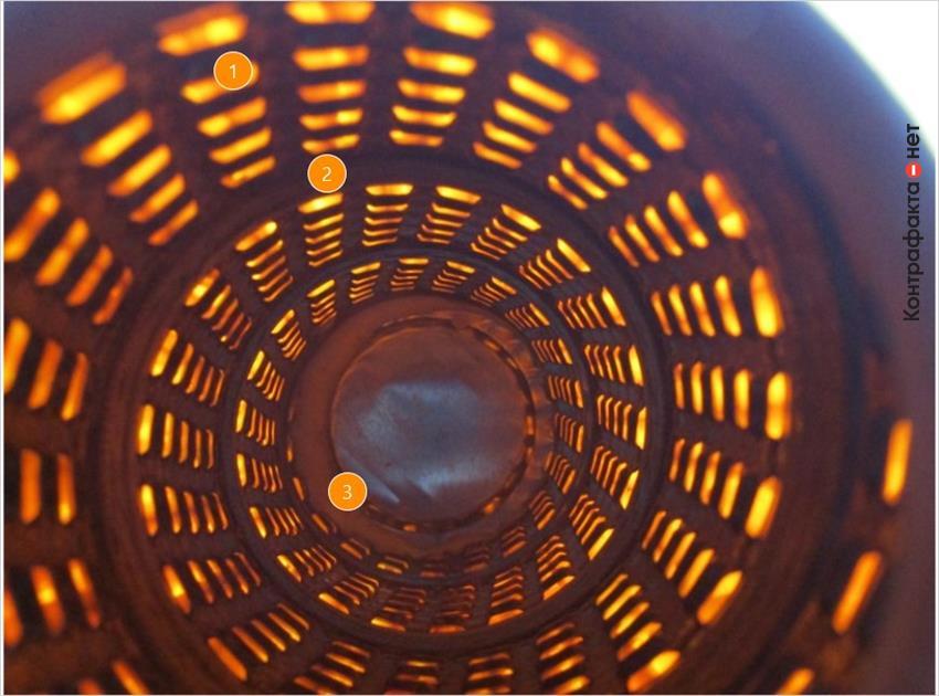 1. Низкое качество перфорации внутренней обечайки.   2. Тонкая фильтровальная бумага просвечивается на свету.   3. Обильное нанесение клея.
