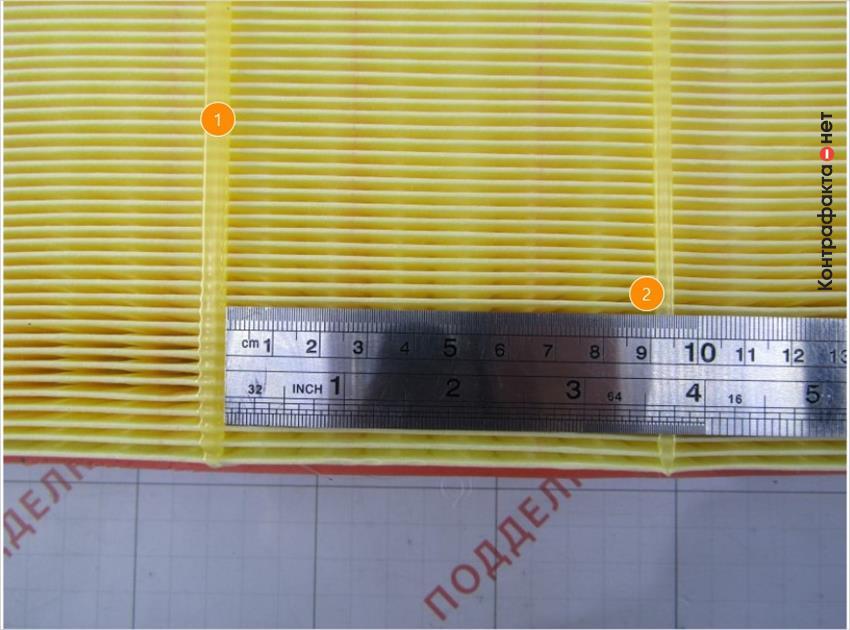 1. Отличается цвет клеящего материала. | 2. Расстояние между полосками клея больше на 25мм.