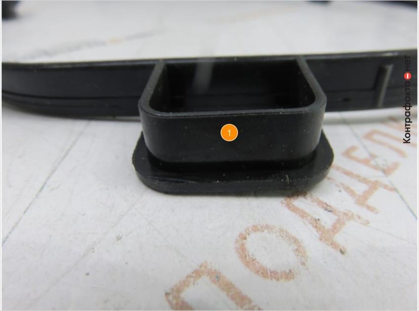 1. На некоторых частях прокладки отсутствуют боковые элементы.