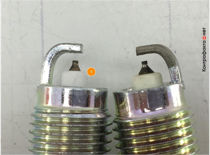 1. Отличается размер теплового конуса изолятора.