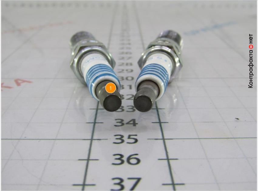 1. Поверхность контактного наконечника плоской формы.