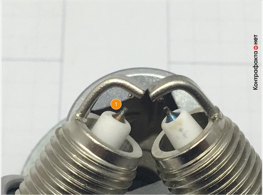 1. Имеет отличие центральный электрод, цветовой оттенок металла сердечника не соответствует оригиналу.