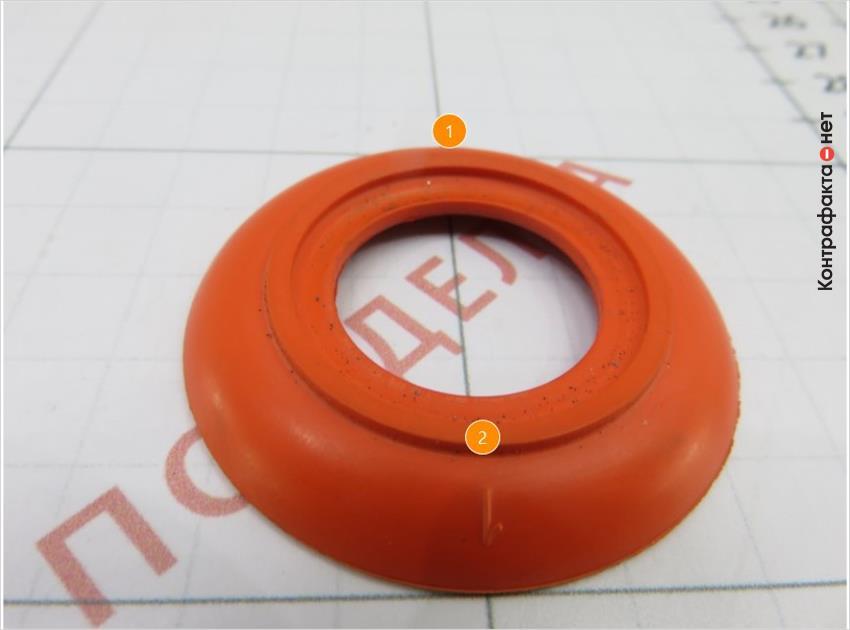 1. Другая форма и цвет обратного клапана. | 2. Отсутствует аббревиатура