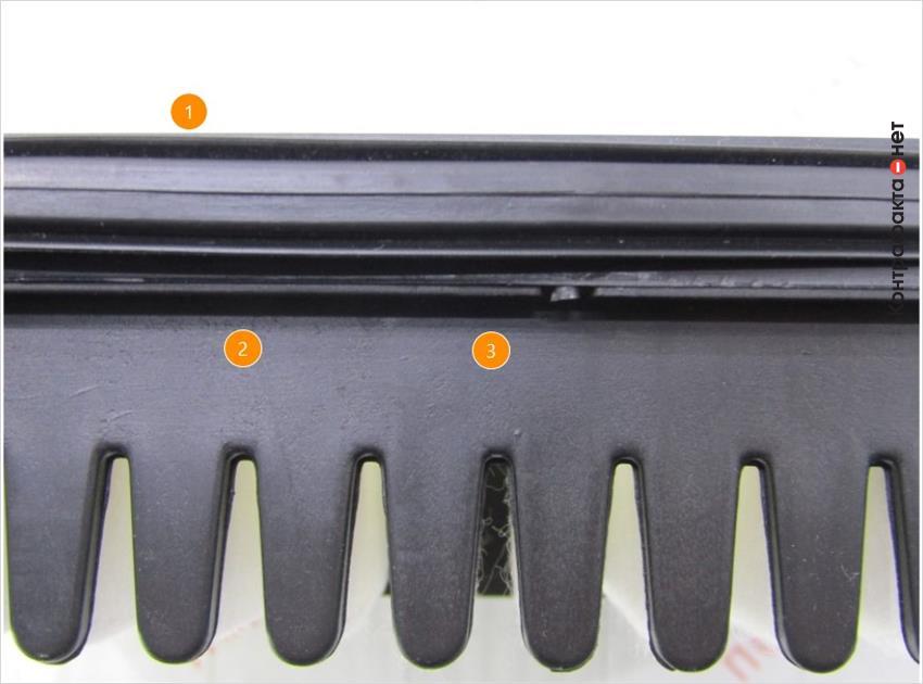 1. Глянцевая поверхность уплотнителя.   2. Отсутствует отметка отк.   3. Чёрный цвет пластика, другой полимерный состав.