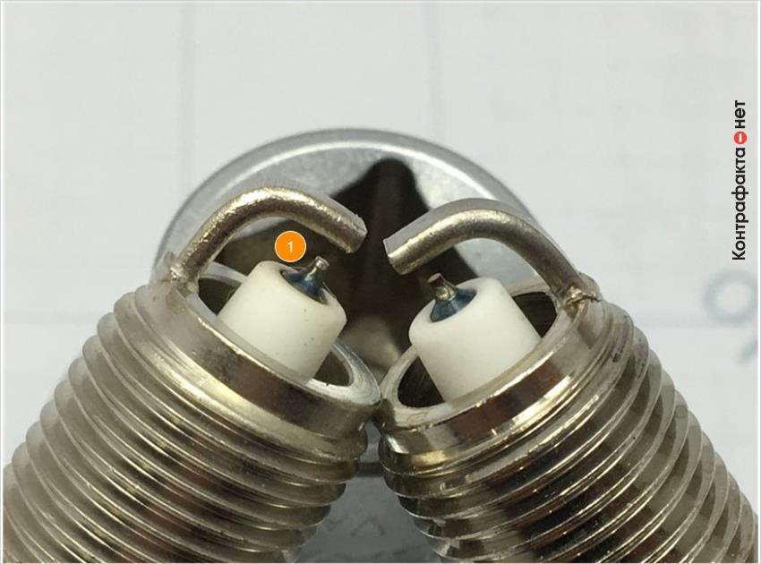 1. Отличается центральный электрод.