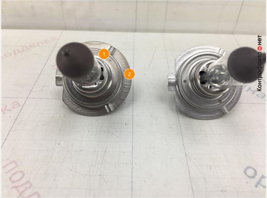 1. Отличается пайка на металлическом цоколе. | 2. Отличается оттенок цвета металла.