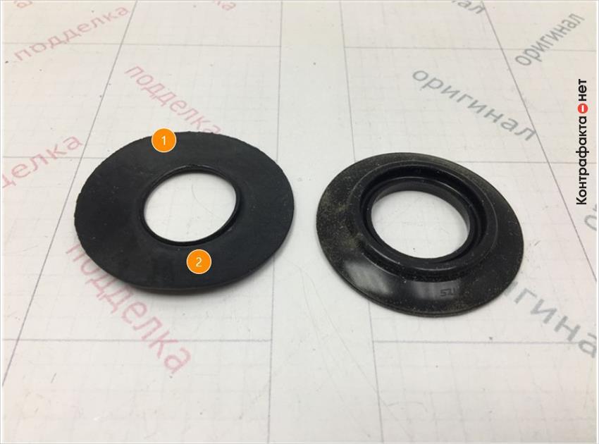 1. Форма обратного клапана отличается, облои резины.   2. Отсутствует маркировка.