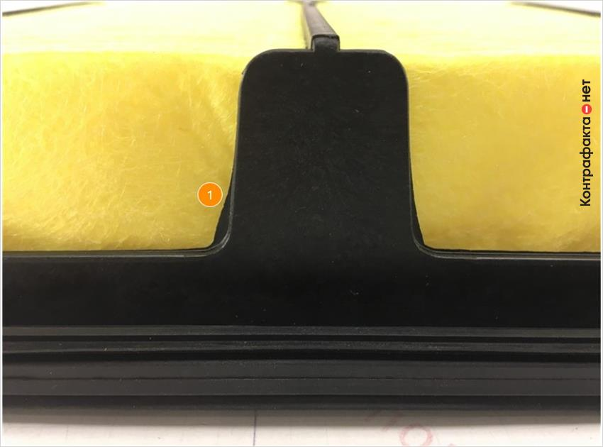 1. Присутствуют облои пластикового корпуса фильтра.