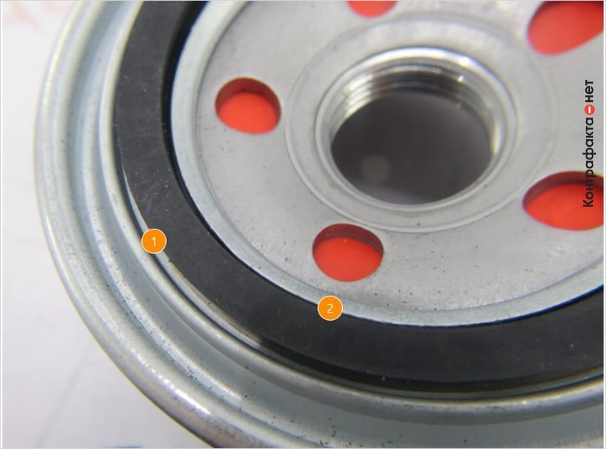 1. Уплотнительное кольцо не плотно прилегает в заданное место. | 2. Другая форма кольца.