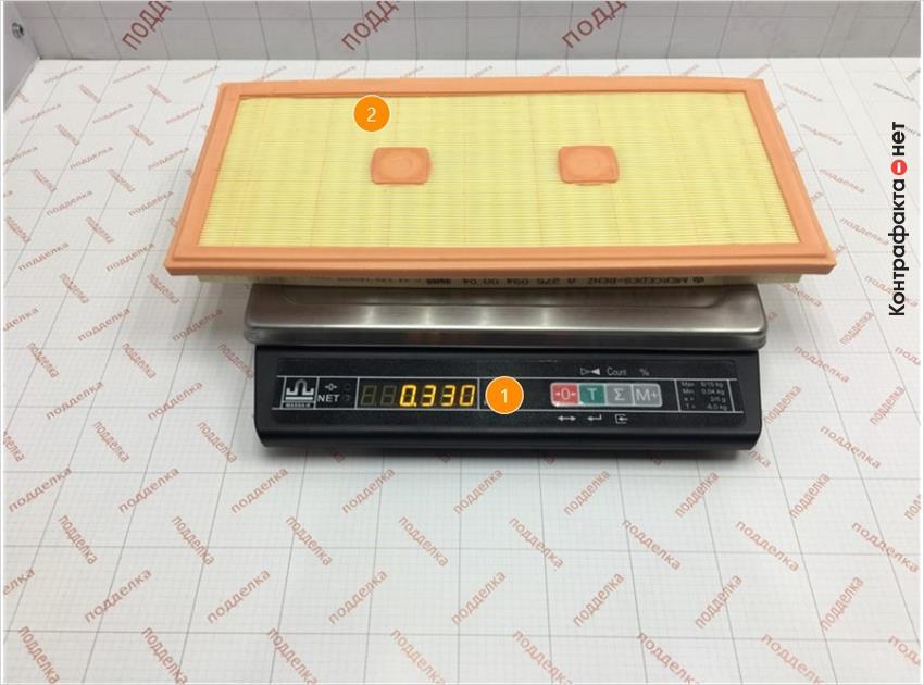 1. Отличается вес.   2. Отличается проклейка сот фильтрующего элемента.