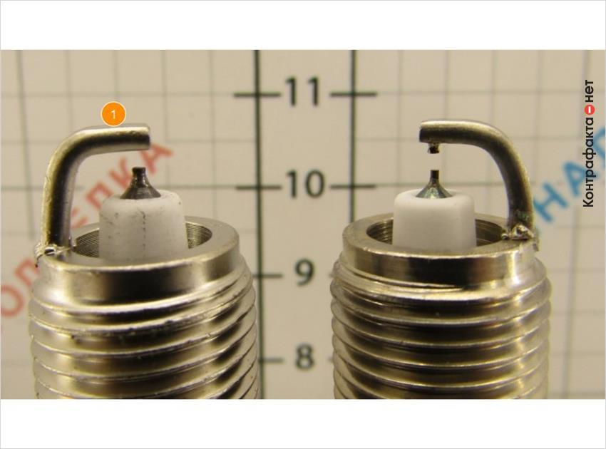 1. Более прямой угол изгиба бокового электрода.