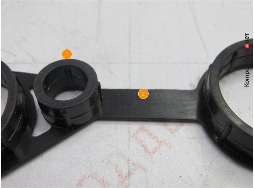 1. Края колец другой формы. | 2. На соединительной части отсутствуют маркировочные обозначения.