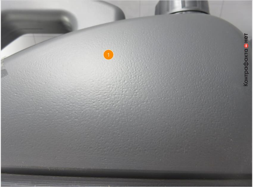 1. Некачественная обработка поверхности бутылки.