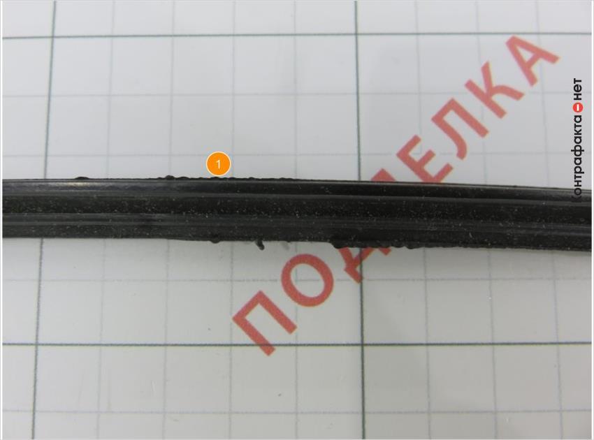 1. Излишки материала на уплотнительной резинке.